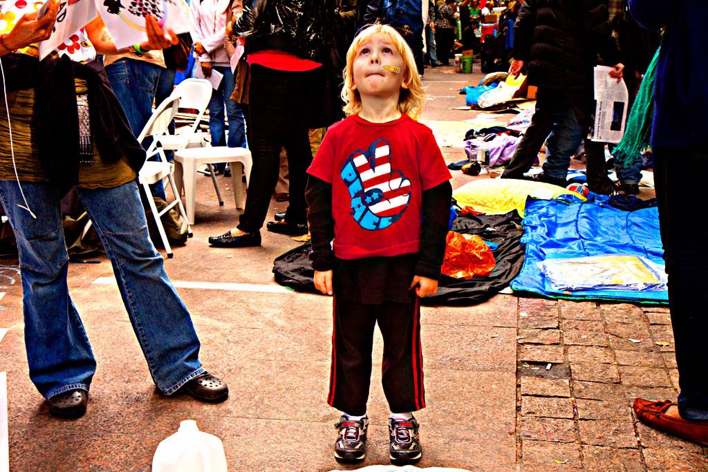 Kid-in-PEACE-T-shirt--Manhattan