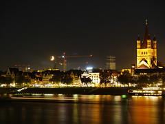 Halbmond über Köln