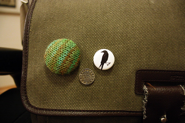 Knitted Pin Button