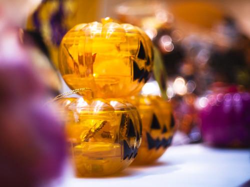 Snack cased Jack-o´-lantern  in the showcase