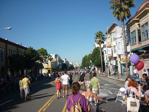2011_1022_sundaystreets31