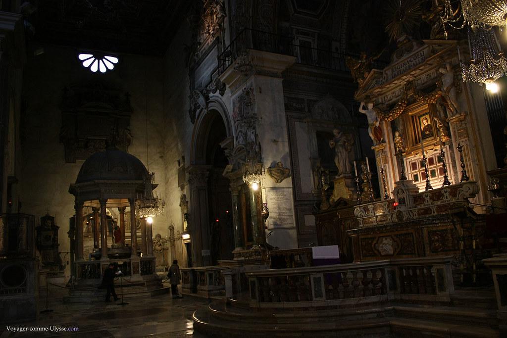 A droite, l'autel de Santa Maria Aracoeli