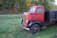 Red Chevy COE (dbro1206) Tags: red chevrolet truck chevy missouri resting coe cabover caboverengine