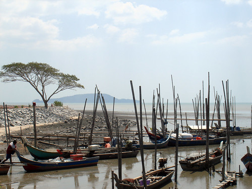 Fishery landing site, Malaysia. Photo by Fred Weirowsky, 2007