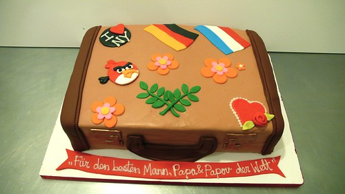 World Traveler Suitcase cake by CAKE Amsterdam - Cakes by ZOBOT