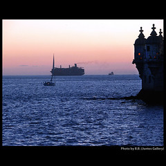 Watching them go by ... (juntos ( MOSTLY OFF)) Tags: blue sunset portugal twilight top saudade lisboa watching belem harmony vernissage oe myfave citric musictomyeyes masterclass bellis