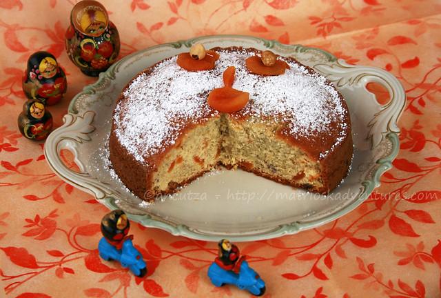 immagine decorazione torta dolce di patate viola e albicocche