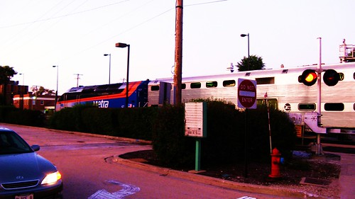 Northbound Metra evening rush hour local commuter train.  Northbrook Illinois USA. October 2011. by Eddie from Chicago