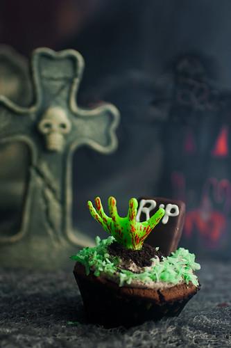 """Walking Dead"" Cupcakes"