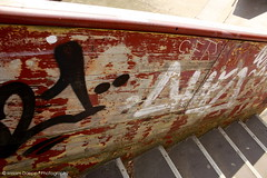 Graffitti wall II (Miriam Daepp) Tags: barcelona city urban london reflections germany switzerland losangeles citylife streetphotography istanbul lausanne venicebeach bern duesseldorf cityscenes gehryhouse gehryarchitecht