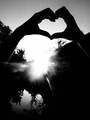 (Viceey.Photography) Tags: friends sunset sun white black love sunshine night austria sterreich hands friend day hand heart nacht tag krnten carinthia herz sunbeam schwarz gymnasium sonnenstrahlen endless klagenfurt brg weis realtionship viktring