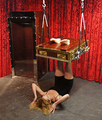 Houdini's Chinese Water Torture Cell (SherryandKrallMagic) Tags: water television escapes biopic houdini adrianbrody historychannel jimcollins breathhold chinesewatertorturecell richardsherry hardeen kristenconnolly daylekrall femaleescapeartist ladyhoudini sherryandkrallmagic movies2014 historychannelhoudini houdinibiography