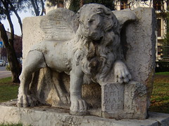 Leone Alato - Legnago - giardini via XX settembre (Pivari.com) Tags: legnago leonealato lionofstmark leonedivenezia