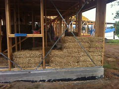The first straw bales are placed!