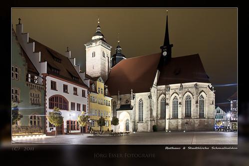 Rathaus und Stadtkirche in der Altstadt Schmalkalden