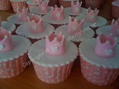 Crown cupcakes (Niki SG) Tags: cupcakes crown     sketiglyka