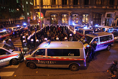 photoset: Eschenbachgasse: Gallery openings (8.11.2011)