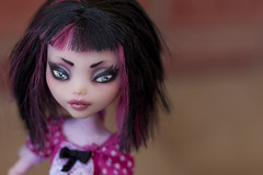 Draculaura repaint (Hiritai) Tags: monster dead high dolls custom mh repaint tireddraculaura