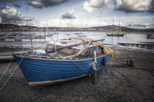 818/1000 - Boat in Conwy by Mark Carline