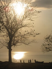 Sunrise over Lake Malawi (David Greig) Tags: africa sunrise malawi lakemalawi nkhatabay lpbright