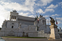 """Vittoriano • <a style=""""font-size:0.8em;"""" href=""""http://www.flickr.com/photos/89679026@N00/6341102300/"""" target=""""_blank"""">View on Flickr</a>"""