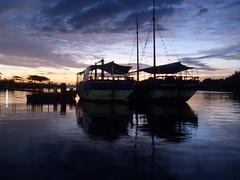 SDC15093 (Pazolini) Tags: blue sea brazil azul brasil sunrise landscape boats boat mar barco barcos paisagem amanhecer vitoria espiritosanto pazolini manha camburi