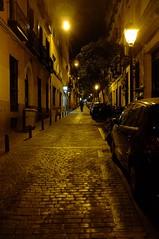 Walking home (Time.Captured.) Tags: madrid street city lamp night evening lampe nacht pavement altstadt pflaster abendstimmung fujix100