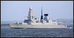 HMS Dauntless (D33) (leightonian) Tags: uk island boat ship unitedkingdom military isleofwight solent gb naval isle cowes wight iow royalnavy