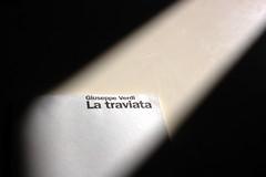 Libreto iluminado (Xver) Tags: luz licht traviata libreto nikond40