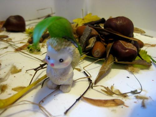 autumn scavenger hunt sensory tub