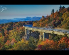 Sunrise at the Linn Cove Viaduct (Frank Kehren) Tags: road bridge autumn fall sunrise parkway f11 hdr blueridgeparkway grandfathermountain 24105 brp ef24105mmf4lisusm linncoveviaduct canoneos5dmarkii