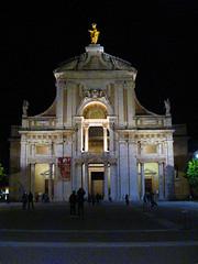 IMG_7913 - assisi - santa maria  degli angeli -  explore (molovate poco presente) Tags: basilica chiesa explore assisi notturno porziuncola santamariadegliangeli volate tafme molovate tommasoevola