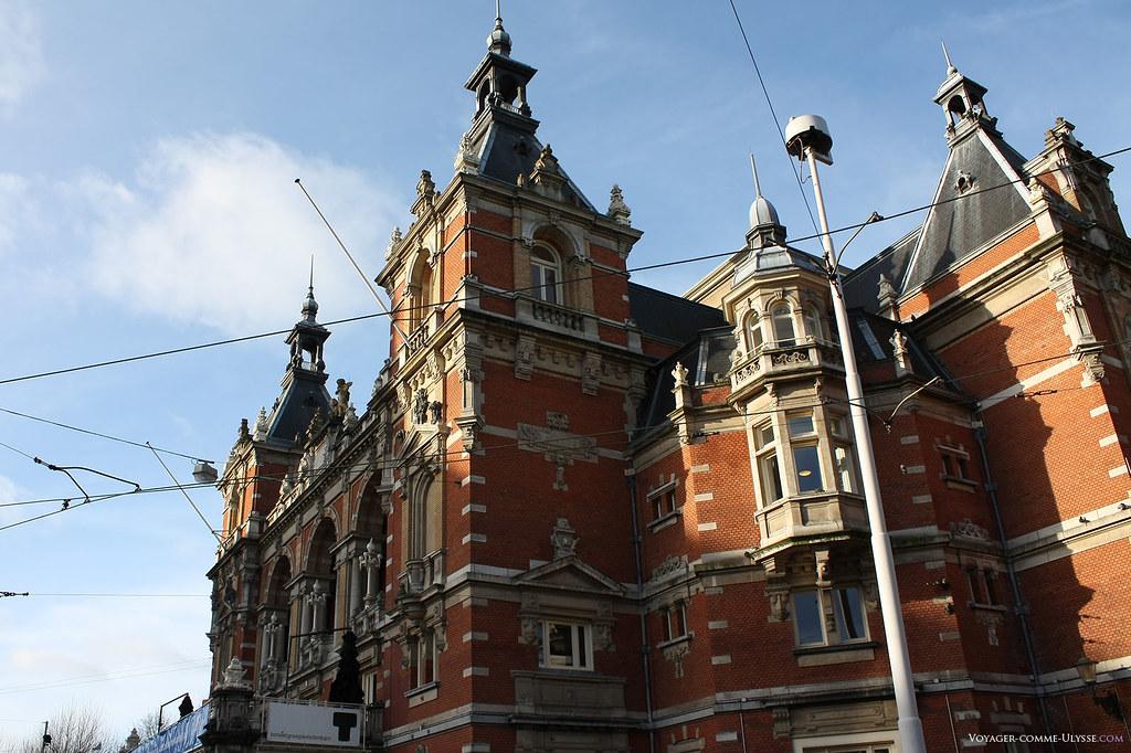 Stadsschouwburg, le théâtre sur le Leidseplein