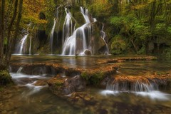 Cascade des Tuffs (Philippe Saire    Photography) Tags: canon eos 7d sigma 1020mm hdr photomatix nature cascade chute fall waterfall eau water france franchecomté jura arbois foret forest arbre tree wideangle long exposure automne autumn philippesaire photo photography