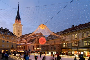 Eislaufen auf dem Villacher Rathausplatz