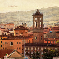 Livorno 7:45 de la mañana (osolev) Tags: city italy square europa europe italia cityscape ciudad urbana toscana livorno citta paisajeurbano motat cuadrada osolev tatot
