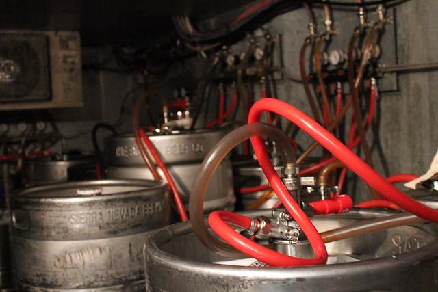6326215145 0e2e1a44b4 z Beer Bar   Cloverleaf Tavern