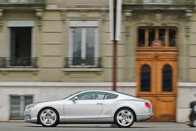 horse car grey gris switzerland photo hp nikon power suisse geneva d 8 continental s turbo 200 28 af gt nikkor ge 80 panning genève f28 supercar v8 bentley ch v6 80200mm 80200 80mm biturbo 200mm afd grise d80 worldcars
