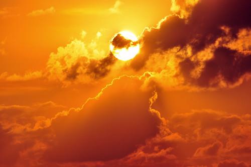無料写真素材, 自然風景, 朝焼け・夕焼け, 空, 雲, 太陽, 橙色・オレンジ