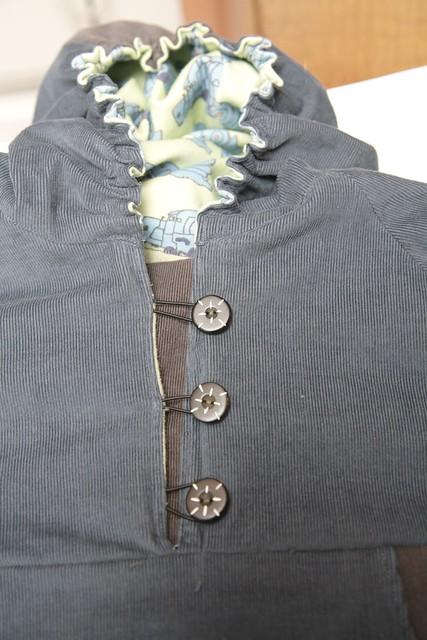 Cord pullover
