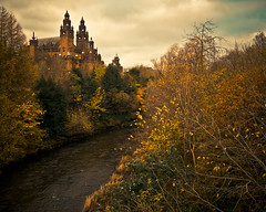 Kelvingrove Park (Andr Delhaye) Tags: autumn trees colour castle river lumix branch colours glasgow compo g3 43 csc m43 mft mirrorless micro43 microfourthirds 43 andredelhaye andredelhayenet lumixg3 lumixdmcg3 andredelhayephotographer lumixgvariopz1442f3556 andrejulio andrejuliophotographer