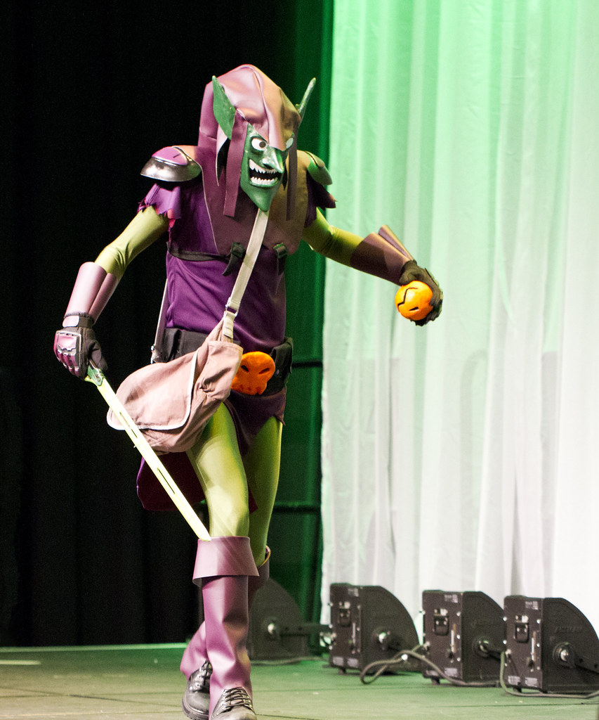 Green Goblin (San Diego Shooter) Tags portrait cosplay anaheim comiccon halloweencostumes wondercon costumeideas : goblin costume ideas  - Germanpascual.Com