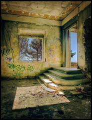 La Salida (Mark B. Duncan) Tags: old sunlight abandoned stairs decay exit hdr enfoqueatreses