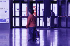 aspettando domani (e_lisewin) Tags: travel de leaving airport luca waiting alone child bambini flight bruxelles il solo e bimbo prima della brussel aereo dei charleroi attesa anche bambino giorno solitudine bxl aspettare felicit dopo quello desideri viaggiare partire haveadrink erri