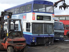 Carlton, Barnsley (Andrew Stopford) Tags: carlton barnsley metrobus twm mcw partons wmpte b885dom