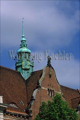 40013673 (wolfgangkaehler) Tags: old city roof detail building architecture buildings germany europe european cities unescoworldheritagesite oldhouse german citycenter lubeck brickbuilding brickhouse roofdesign hanseaticcity lubeckgermany