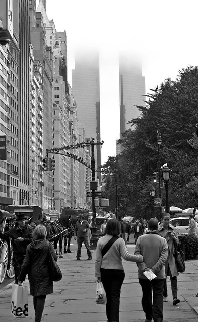 """5th Avenue • <a style=""""font-size:0.8em;"""" href=""""http://www.flickr.com/photos/32810496@N04/6272173414/"""" target=""""_blank"""">View on Flickr</a>"""