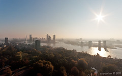 Hazy morning / Euromast / Rotterdam (zzapback) Tags: park city urban panorama mist holland robert netherlands dutch sunrise river de rotterdam europa europe fotografie view angle wide nederland sigma van hazy maas 1020mm ultra zon stad kop euromast erasmusbrug zuid rivier voogd rotjeknor vormgeving haziness drowse kvz groothoek grafische bergselaan liskwartier zzapback zzapbacknl robdevoogd stayawakeenjoyyourday