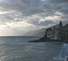 Camogli (Domi Rolland ) Tags: mer canon europe italia ciel nuage italie vacance 2011 g9