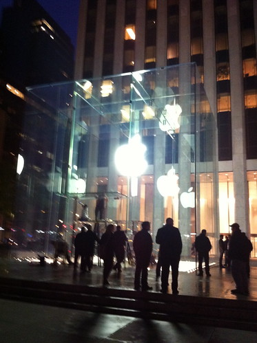 Apple Store on 5th Ave will be reopened today